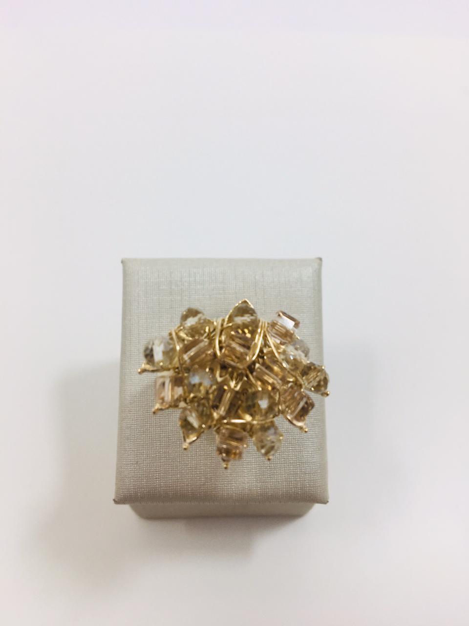 Anel bordado com cristais nude folheado em ouro 18k - A3MN0002