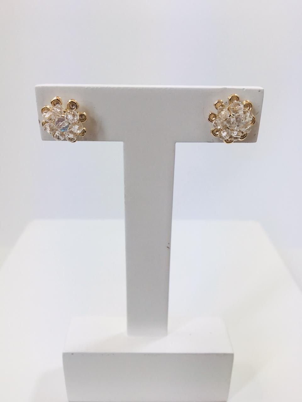 Brinco bordado com cristais transparente folheado em ouro 18k - B3T0009